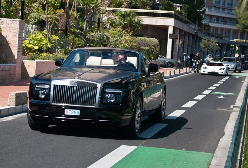 Rolls Rolls Royce phantomدر کلکسیون جذاب ماشین های رونالدو
